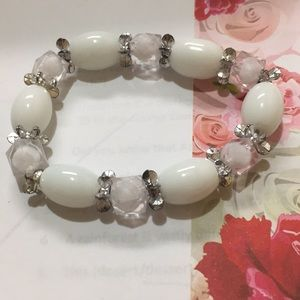 Stretch bracelet, white and silver